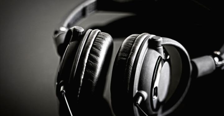 headphones_pix